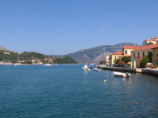Ítaca, Grecia: The embankment of Ithaca - view to the exit from the bay