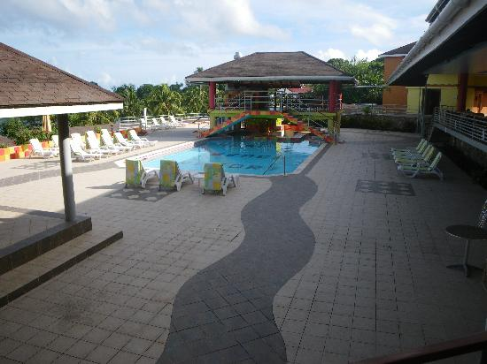 Black Rock, Tobago: View of the pool area