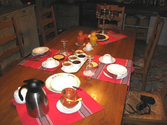Demeure Saint Vincent : delicious breakfast