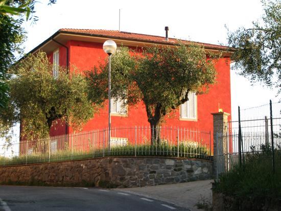 B&B Colle degli Oleandri : fronte casa