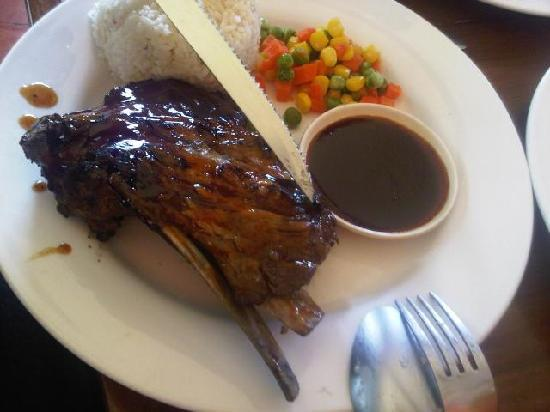 Mooon Cafe : This is a decent amount of meat for $6..the side of vegetables is laughable.