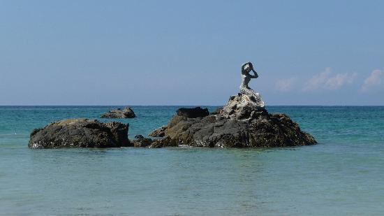 Amazing Ngapali Resort: the mermaid, find her at a short walk