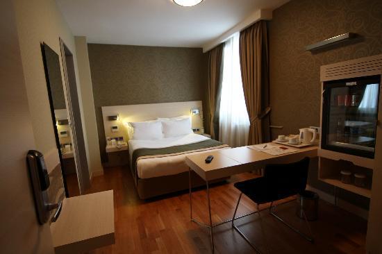 Troya Hotel: room
