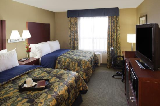 Travelodge Oshawa Whitby: Two Beds Corporate Floor