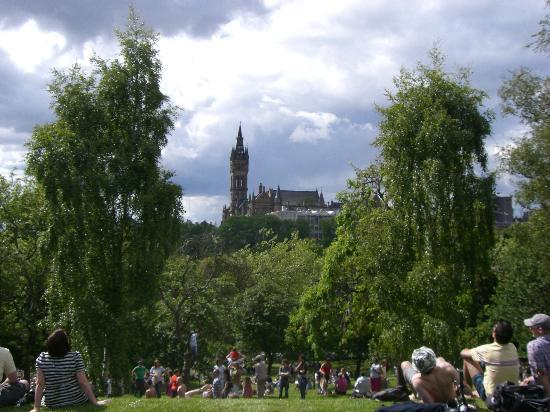 Kelvingrove Park: View of Glasgow University from the park.