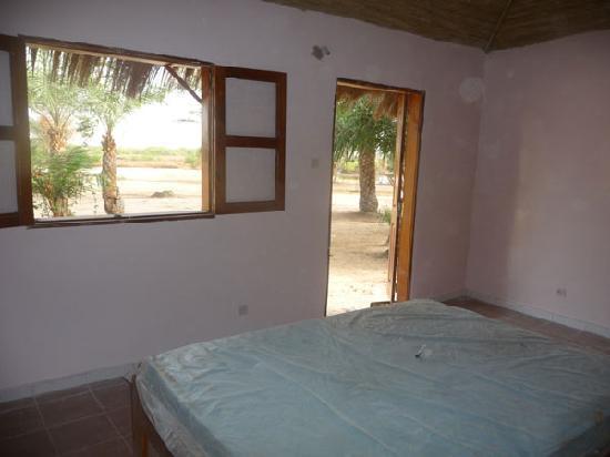 Campement Darsalam : Innenansicht eines Bungalow