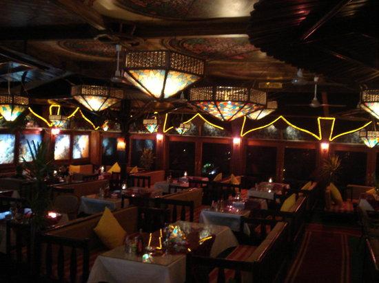 Aladdin Resturant: THE AMBIENT INTERIOR