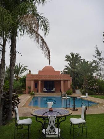 Villa Dar Zina : Devant la piscine