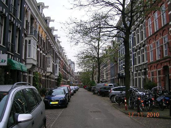 Hotel Kap: the street