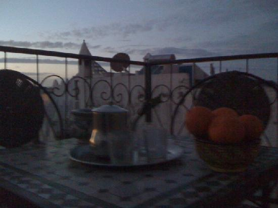 Dar Assenfou: breakfasrt on lovely rooftop
