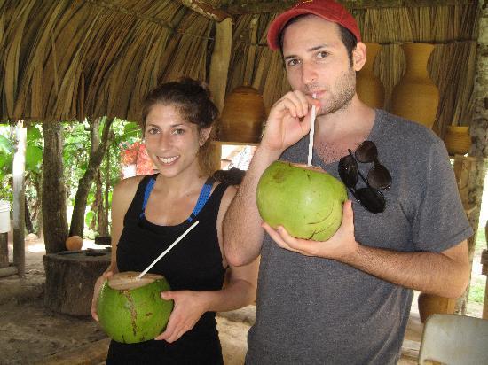 Ka'ana Resort: Drinking fresh coconut