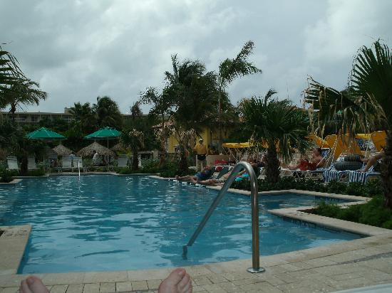Marriott's Aruba Surf Club: adult pool again