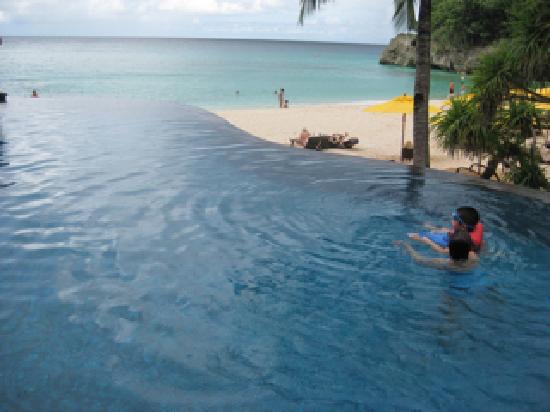 Shangri-La's Boracay Resort & Spa: pool