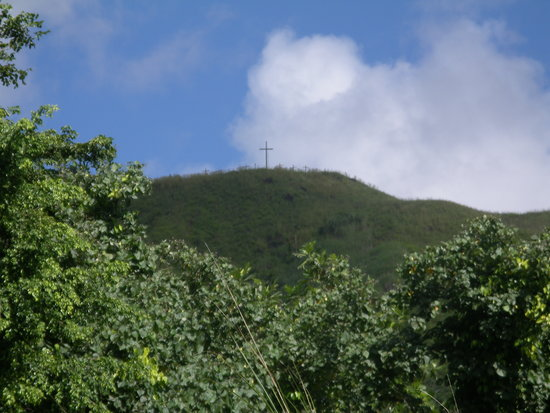 Agat, Mariana Islands : Crosses on the mountain