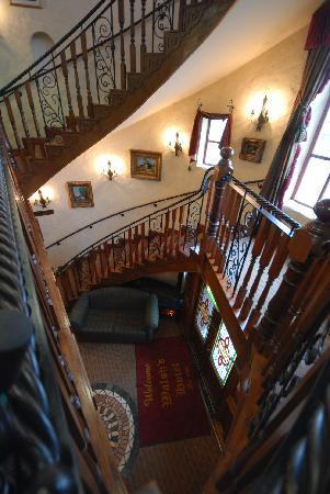 Walsh's Hotel: Reception Tower Staircase