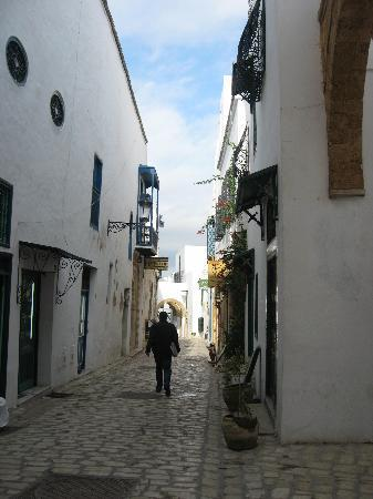 Dar El Medina : The hotel is situated in a quiet street of the medina