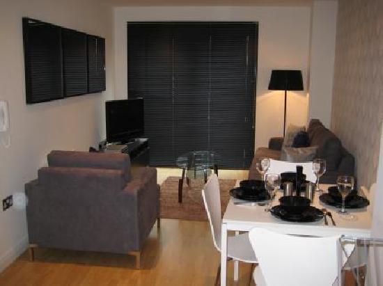 Entrada Apartments : Hotel in Leeds (Entrada Serviced Apartments)