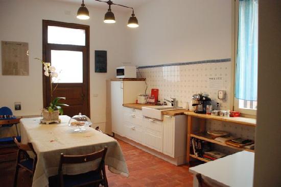 Mangiare Bere Uomo Donna: Common room for breakfast