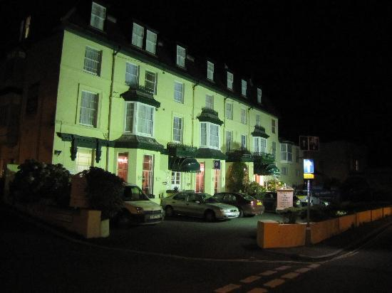 Ilfracombe Carlton Hotel : Night shot
