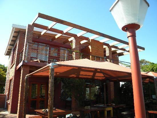 Dungbeetle River Lodge: The lodge
