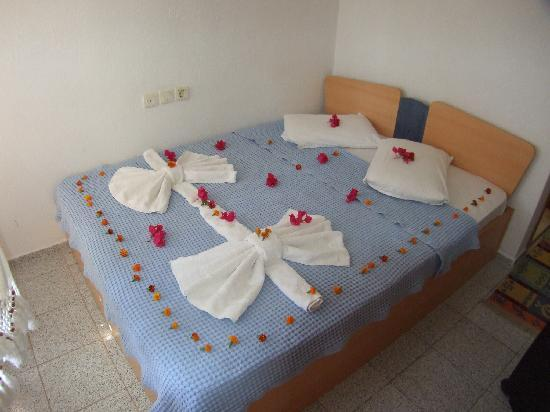 Mehtap Hotel Dalyan: Bed on arrival