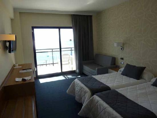 Hotel RH Corona del Mar: habitacion