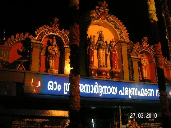 Varkala, Indien: La Trinite; Indian Gods