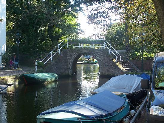 Άλκμααρ, Ολλανδία: Alkmaar canal view