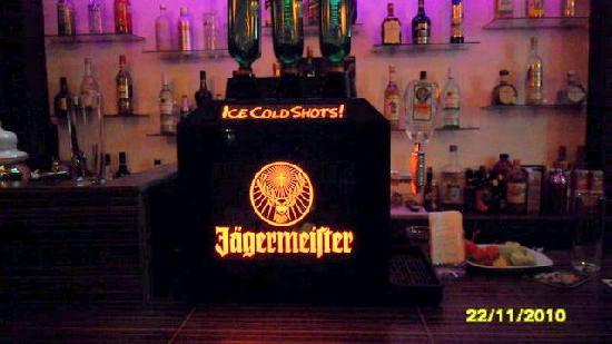 Kabana Bar & Grill: jaermeister machine