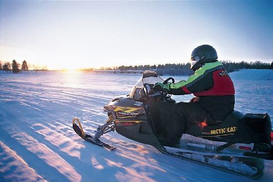 Dakota del Norte: Snowmobiling in North Dakota