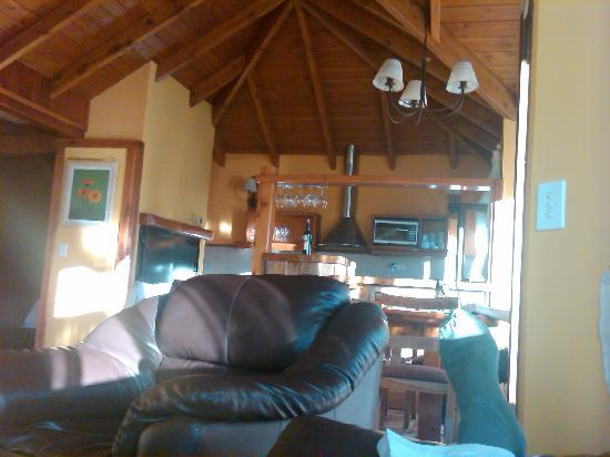 Charming Luxury Lodge & Private Spa: Our living area