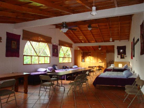 Santiago Atitlan, Guatemala: Casa Orquidea - huge upper room for groups