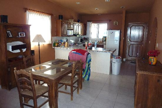 Casa Roca Caribe: Dining area and Kitchen