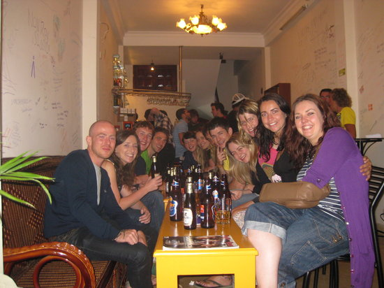 Central Backpackers Hostel - Original: Happy Hour and FREE BEER