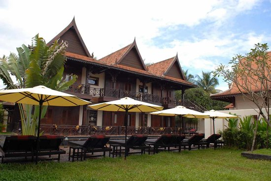 The SAMAR Villa & Spa Resort: front of khmer house