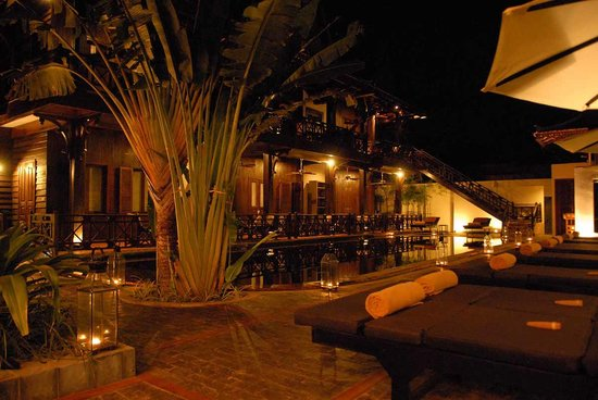 The SAMAR Villa & Spa Resort : garden at night