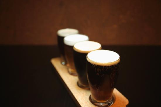 Brickyard Gastropub : A flight, for those who can't commit