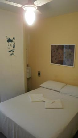 Art Hostel Rio: Room with street view