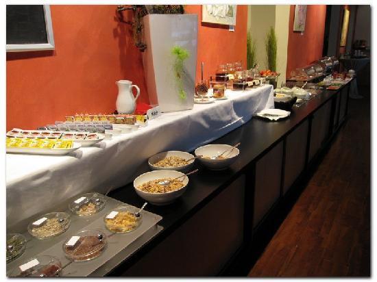 Peachy Ok Breakfast Buffet Bild Von Ara Hotel Comfort Download Free Architecture Designs Viewormadebymaigaardcom