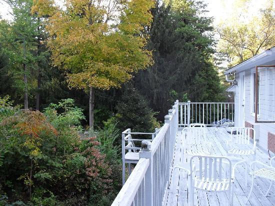 The Copper Beech Inn: Balcony