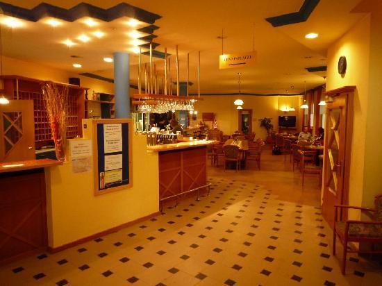 Hotel CenterCourt: Restaurant