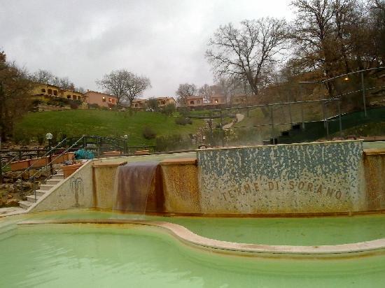 scorcio piscina Terme di Sorano - marzo 2010