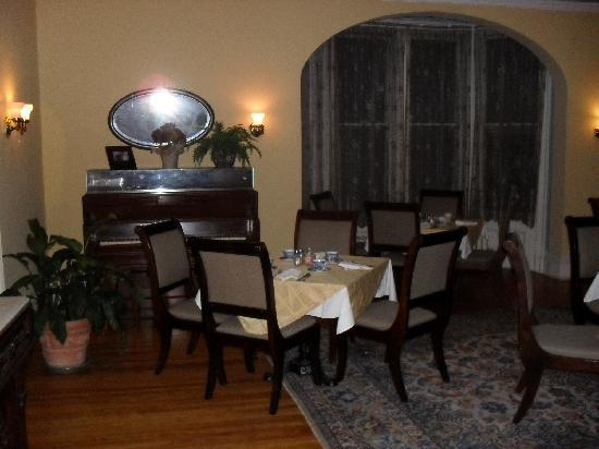 Pittsfield, MA: Dining room