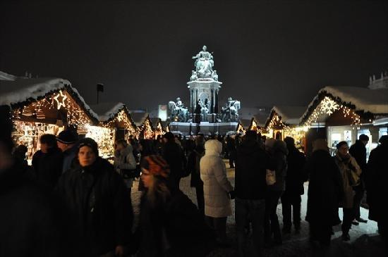Wien, Österreich: Maria Theresien-Platz