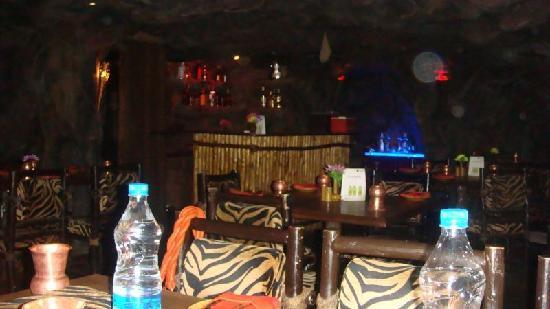Pai Vista: The bar inside Gufha