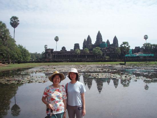David Angkor Guide - Private Tours: The pond at Angkor Wat and its' reflection