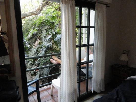 Caseron Porteno B&B: Relaxation on the balcony