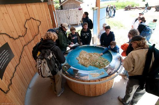 Ventura, Kalifornien: Inside the Santa Cruz Island Visitors Center, Channel Islands National Park, photo by Stephen Sc