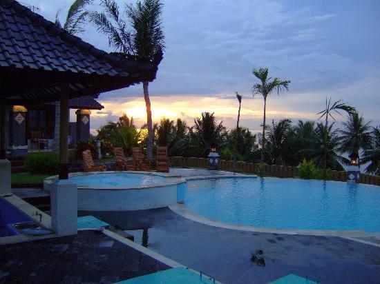 Bali Sunset Hotel: sunset