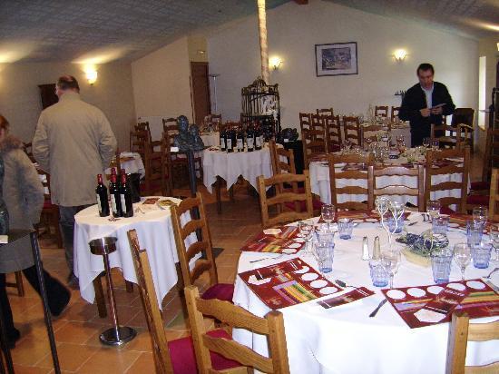 Le Vieux Presbytere: Salle à l'étage et soirée à thème